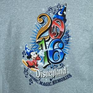 Disneyland Resort Jacket Medium Gray Mickey Wizard